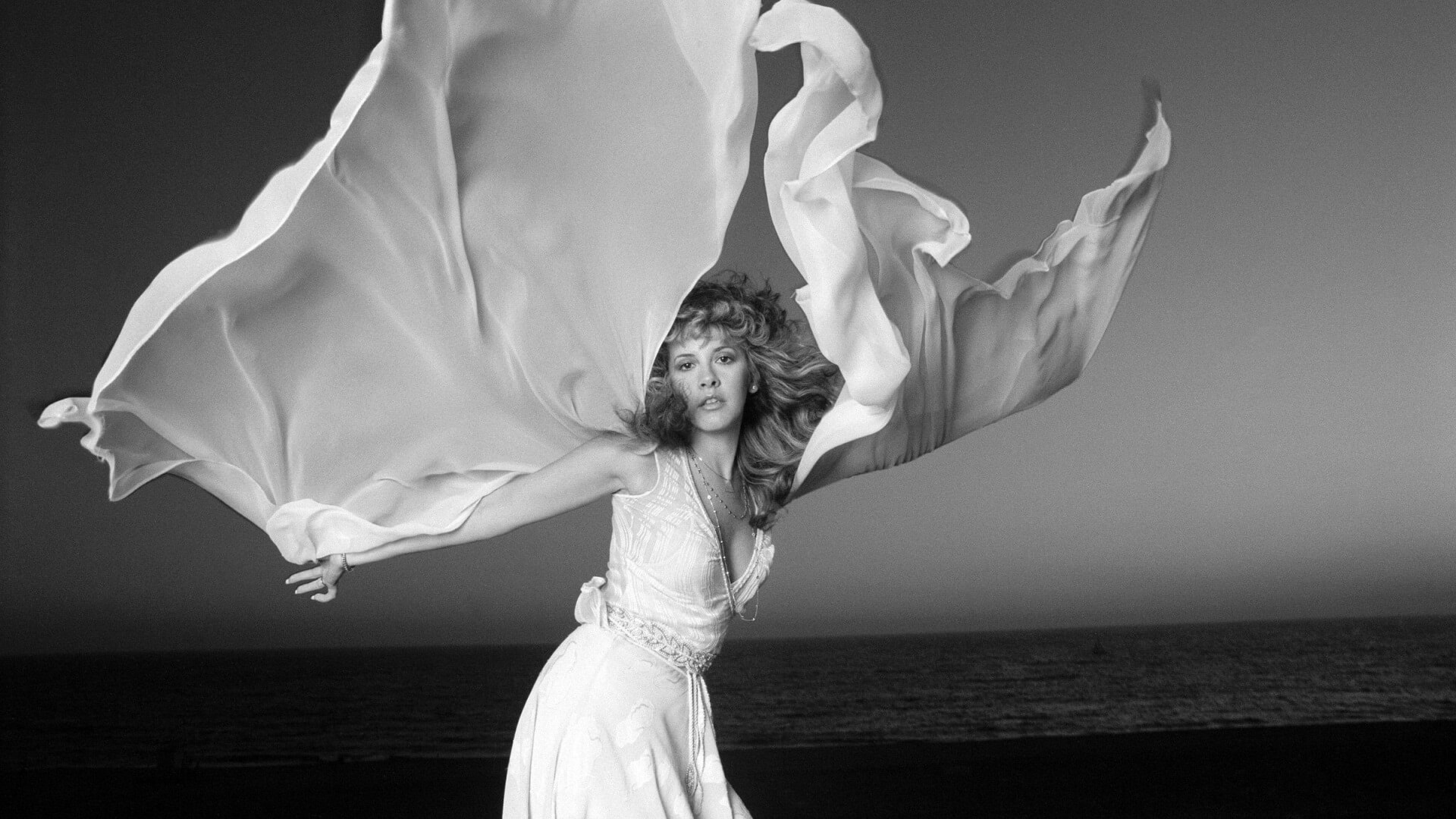 """""""Sara"""" by Stevie Nicks mourns a heart that beats nevermore"""