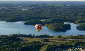 Bit of a view of Kent Lake, yes?...and so nice of a companion balloon to provide context.